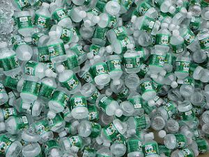 320px-Lots_of_bottled_water.JPG