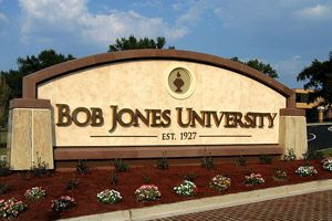 "bobby jones essay Bobby jones at emory world-renowned golfer robert ""bobby"" t jones, jr 29l was an extraordinary man of compassion and integrity who valued education as much as."