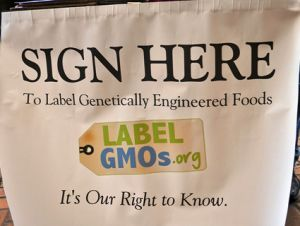 GMO label rally sign