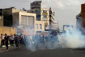 iran-tear-gas.jpg
