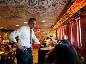 obama at restaurant
