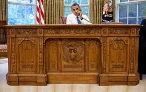 obama-resolute-desk.jpg