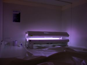 tanning bed essays Like cigarette packs, tanning beds will soon come with a visible black box  warning that the products should not be used by anyone younger.