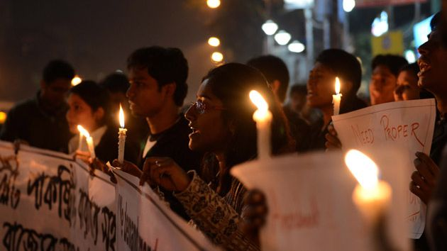 Protestors in India honor gang rape victim.