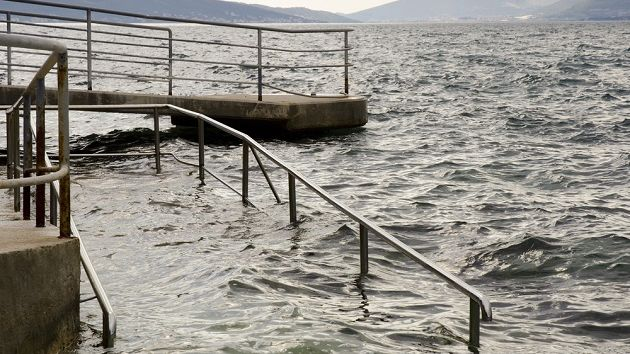 Image of a submerged pier.